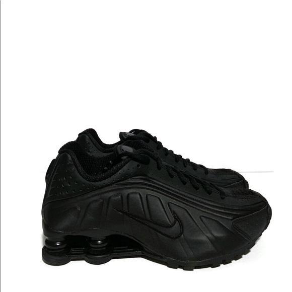 Og Shox Black Nwt Nike Women's R4 Retro Sneaker Triple uZPkiX